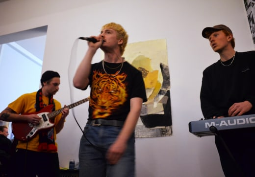 Self-publish or be damned / Tentoonstelling / Academiegalerie / Opening / Daisy Daisy (live) / 2019